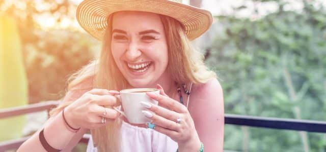 woman-smiling-coffee