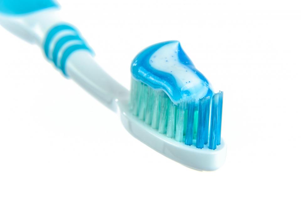 toothbrush-toothpaste